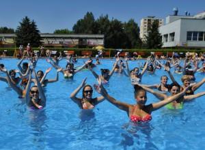 kúpalisko bazén vodný aerobik animaèný program ženy cvièenie